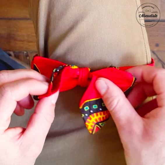 Comment nouer un noeud papillon facilement ?